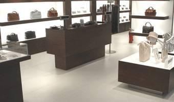 pavimenti e rivestimenti interni di negozi boutique e. Black Bedroom Furniture Sets. Home Design Ideas